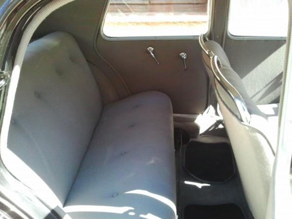louez une citroen traction 7 c autos r tro plaisir. Black Bedroom Furniture Sets. Home Design Ideas