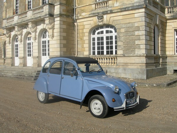 louez une citroen 2 cv autos r tro plaisir. Black Bedroom Furniture Sets. Home Design Ideas