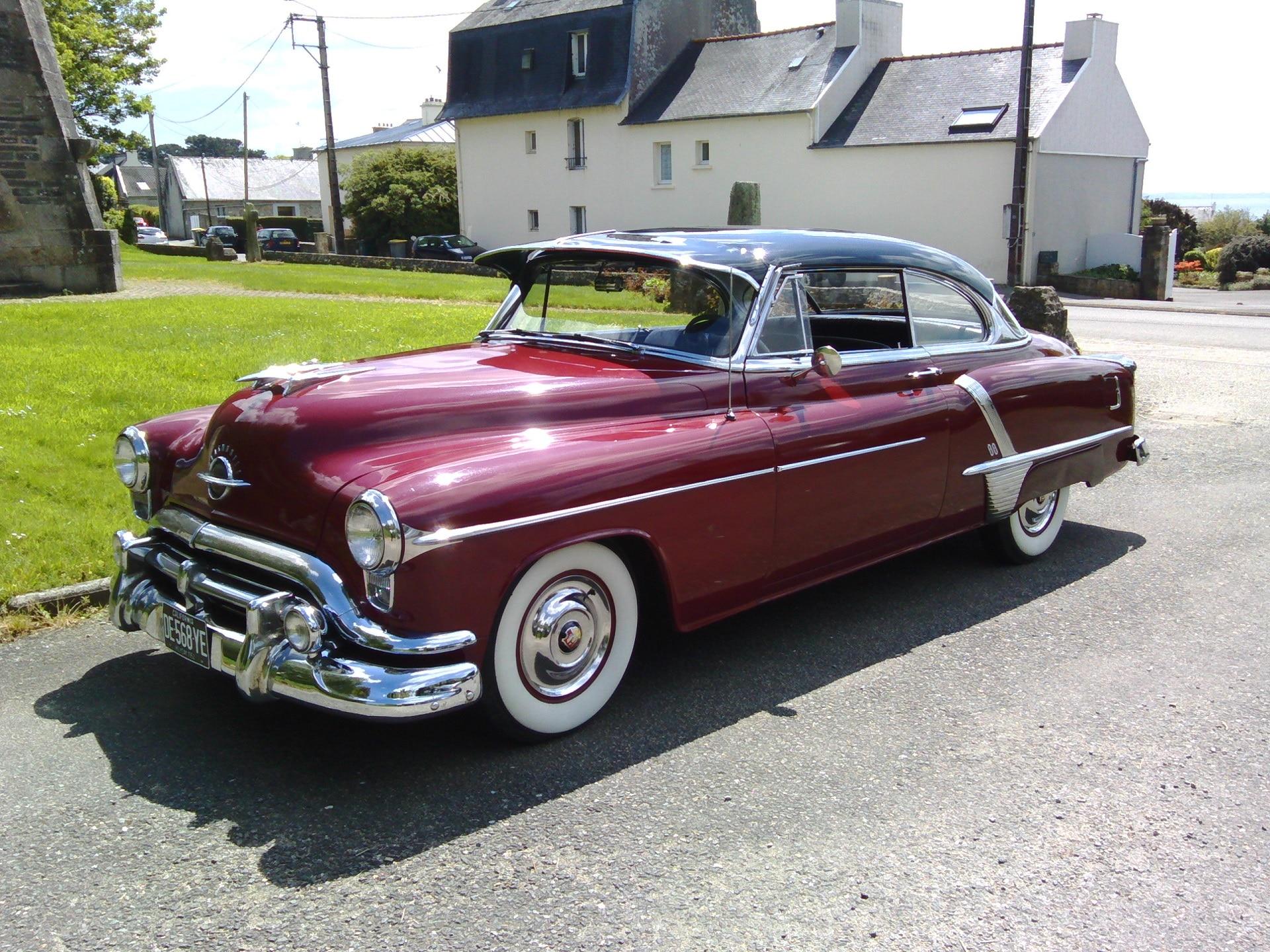 Olsmobile Holiday 1952
