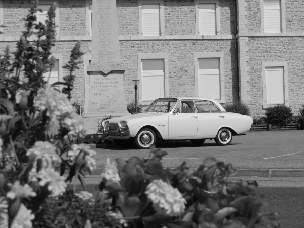 louez une ford taunus 17m autos r tro plaisir. Black Bedroom Furniture Sets. Home Design Ideas