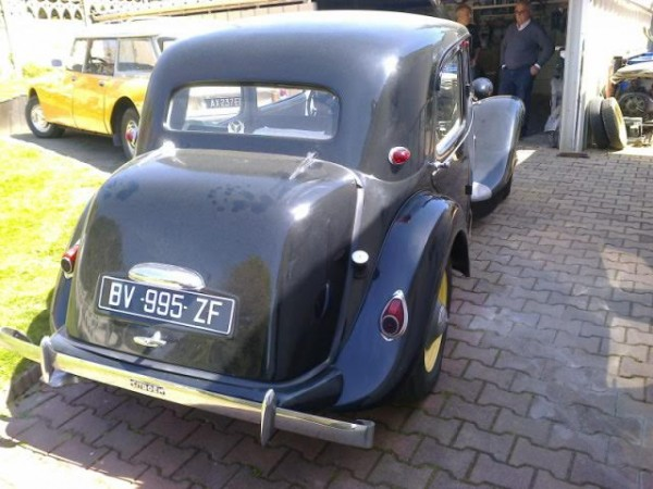louez une citroen traction 11bl 1955 autos r tro plaisir. Black Bedroom Furniture Sets. Home Design Ideas