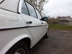 Mercedes_230E493